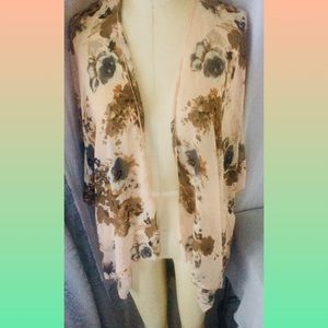 Other - Sheer floral kimono covering one size fits most